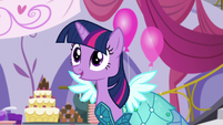 "Twilight ""Rarity's Royal Regalia is amazing!"" S5E14"