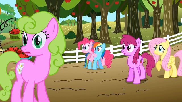 File:Everypony watching S02E15.png