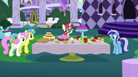 Moon Dancer's friends arrive for the party S5E12