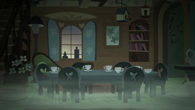 File:Fluttershy's spooky tea party S5E21.png