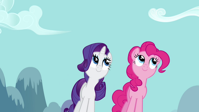 File:Watching Rainbow Dash 2 S2E16.png