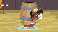 Young Trouble Shoes stuck in a barrel S5E6