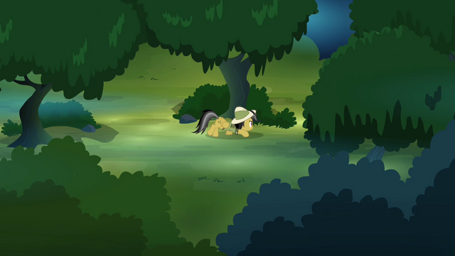 File:Daring Do sneaking through the forest S4E04.png