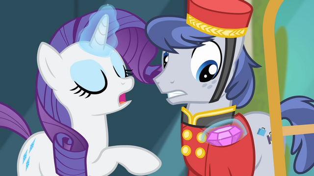 File:Rarity 'Do keep it all' S4E08.png