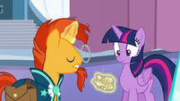 Sunburst crumples the paper S6E2