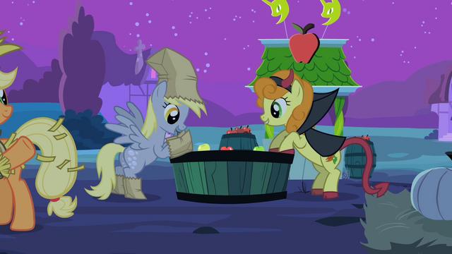 File:Derpy hooves apples S2E4.png