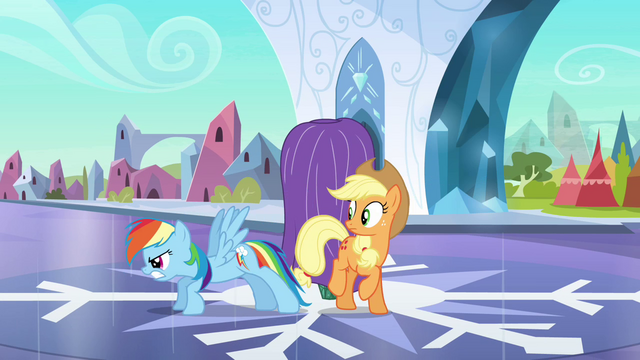 File:Rainbow Dash guard dog S3E2.png