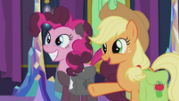 """Applejack """"just stoppin' in to wish y'all"""" S5E20"""