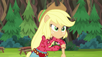 Applejack rolling up her sleeves EG4