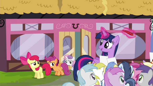 File:Twilight sees CMC leaving the Hay Burger S4E15.png
