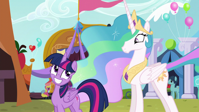 File:Twilight smiles at Celestia S5E11.png