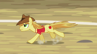 Braeburn gallops down the buckball field S6E18
