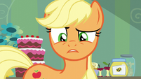 Applejack freaked out by Apple Bloom's cutie mark S5E4