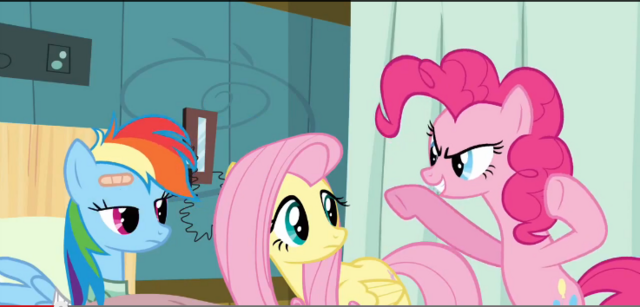 File:Pinkie Pie trying to scare Dash S2E16.png