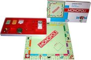 360px-Monopoly-it-eg-2001-standard-set