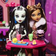 Diorama - Frankie and Clawdeen