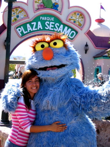 File:Parque-plazasesamo1.jpg