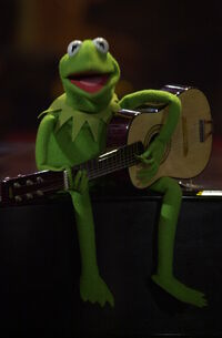 JerryLewis-MDA-2001-Kermit-with-Guitar