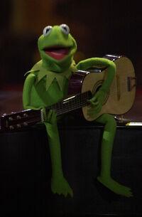 JerryLewis-MDA-2001-Kermit-with-Guitar