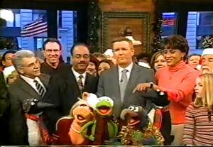 GMA-MuppetDayAtGMA!-Kermit,Piggy,Gonzo,Penguins-(2004-12-15)