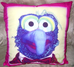1981 gonzo pillow