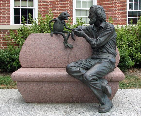 File:Statue.hensonumd.jpg