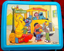 Aladdin lunchbox bus
