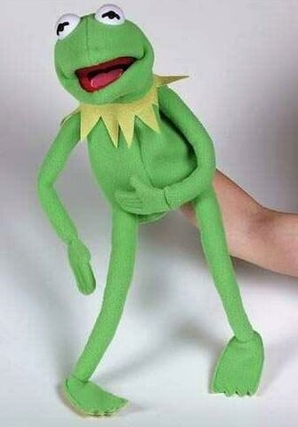 File:United labels kermit puppet 2007 45cm.jpg