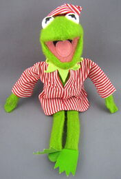 Fisher-price dress-up kermit 5