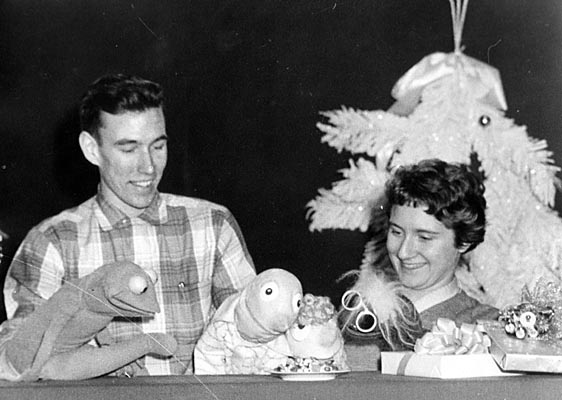 File:Young Jim Henson and Muppets.jpg