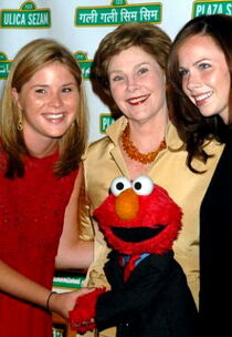 Laurabush-elmo