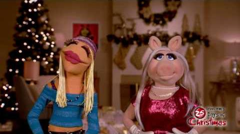 Ambassador of Holiday Cheer - Miss Piggy Freeform's 25 Days of Christmas