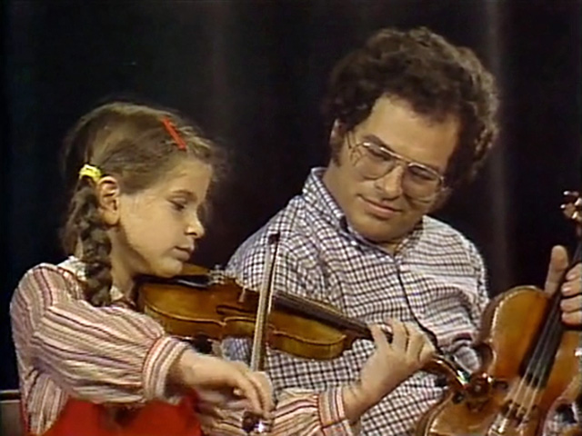 File:ItzhakPerlman with girl.jpg