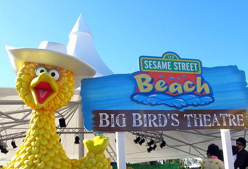 File:Sesame-street-beach-7.jpg
