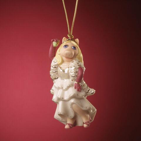 File:Lenox-Kiss-Me-Kermie-Ornament-2006.jpg