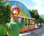Parque-plaza-sesamo-abelardo-statue