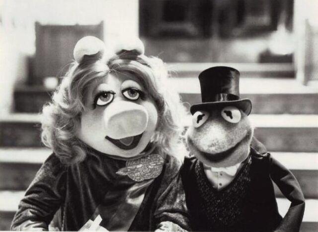 File:Kermit piggy tgmc.jpg