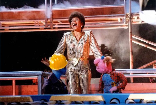 File:Shirley Bassey.jpeg