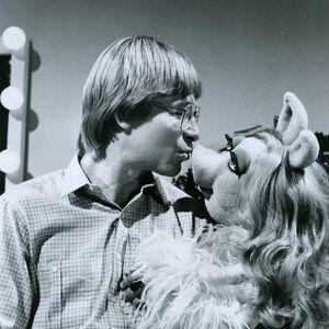 Kiss denver piggy xmas together promo