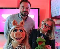 Kermit&PiggyHeart-032514