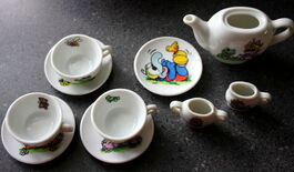 Enesco 1983 muppet babies tea set 8