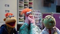 TheMuppets-S01E07-ScooterBeakerBunsen
