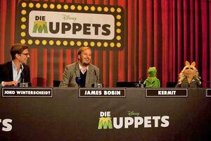 DieMuppets-GermanPremierePressConference-Berlin-(2012-01-18)04