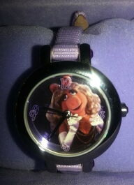 Fossil limited edition miss piggy watch 3