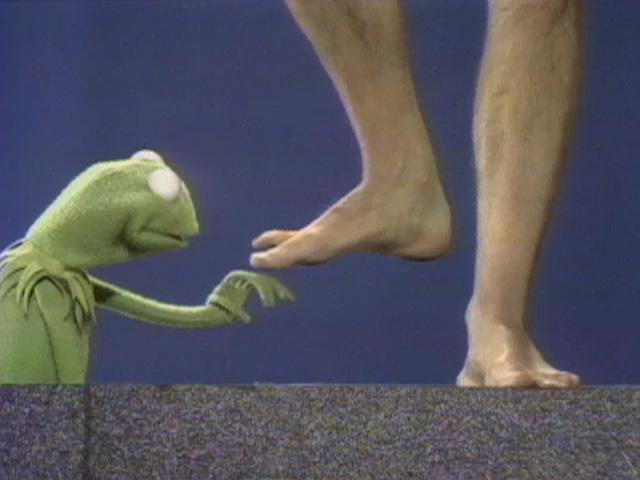 File:Kermit feet.jpg