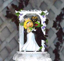 Muppet-Wedding-Cake-Topper