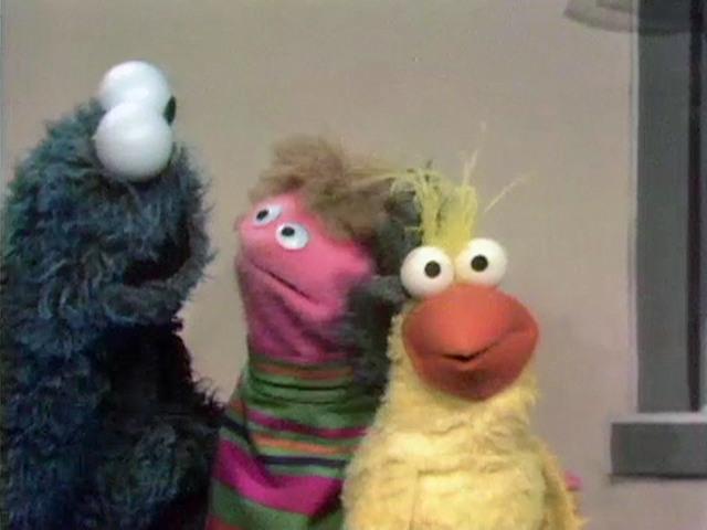 File:Little Bird next to Cookie Monster.jpg