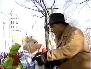 2002Macys-KermPiggy