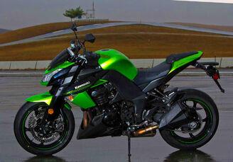 Kawasaki-Z1000-static