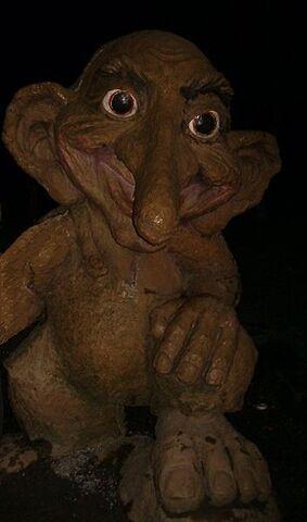 File:Troll sculpture.jpg